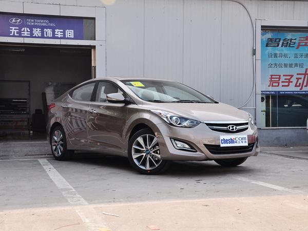 北京现代  1.6L 自动 右前正45度