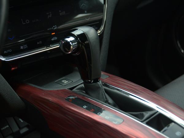 东风本田  1.8L VTi CVT 换挡杆
