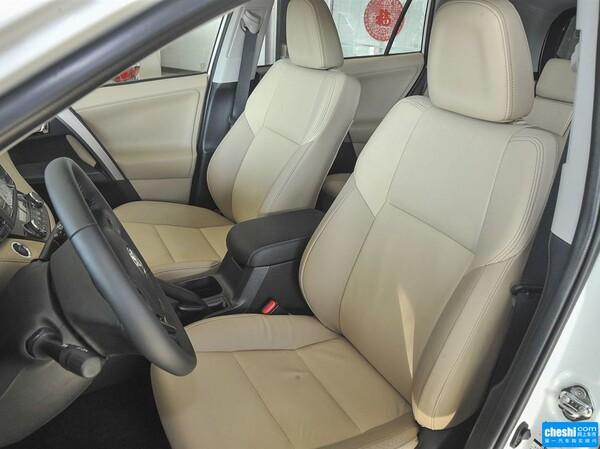 一汽丰田  2.5L 自动 驾驶席座椅正视图