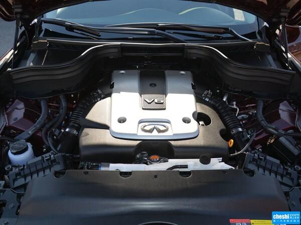 东风英菲尼迪  2.5L 发动机局部特写