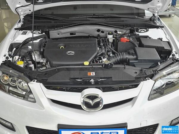 一汽马自达  2.0L 自动 发动机局部特写