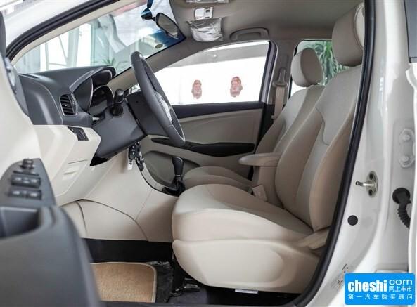 奇瑞汽车  1.5L 手动 副驾驶座椅正视图