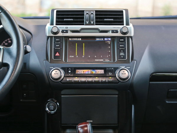 一汽丰田  2.7L 自动 中控台
