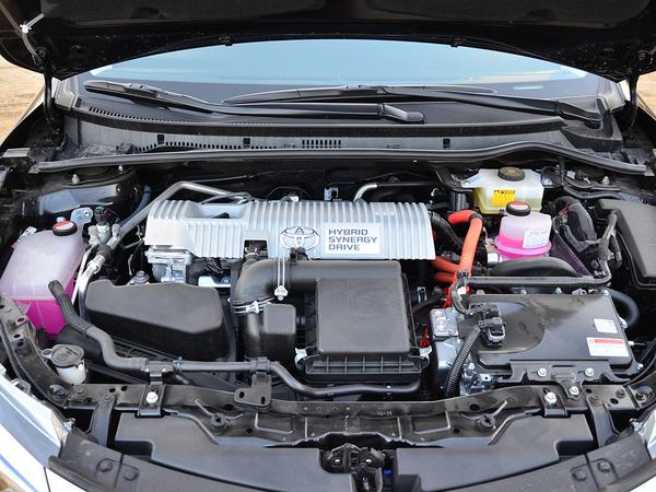广汽丰田  双擎 1.8HV 车辆发动机舱整体