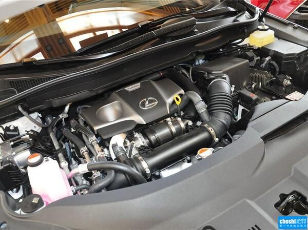 雷克萨斯  RX 200t 发动机局部特写