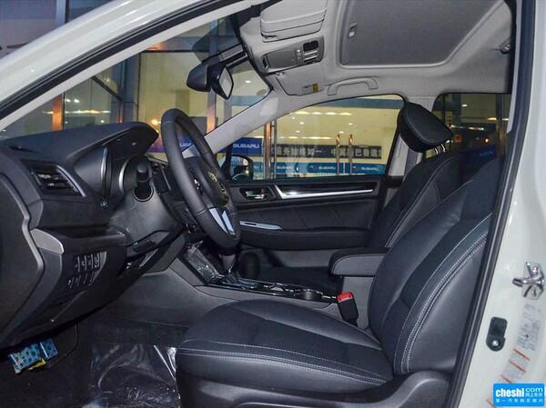 斯巴鲁  2.5i 副驾驶座椅正视图