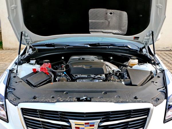 凯迪拉克(国产)  28T 车辆发动机舱整体