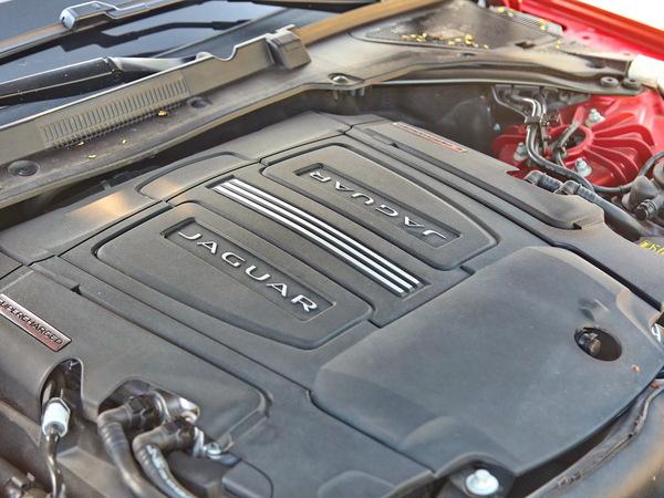 捷豹  XF3.0T 发动机