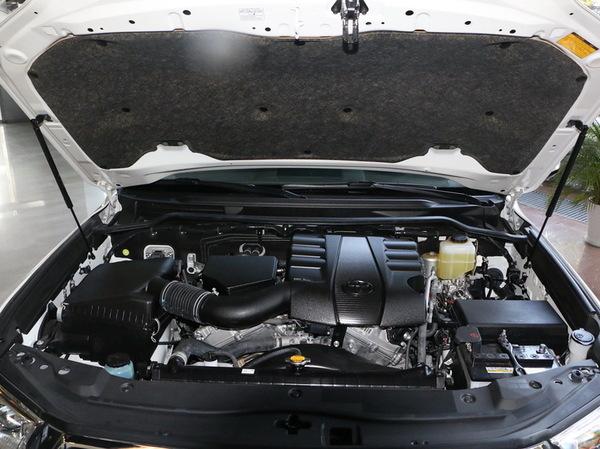 丰田(进口)  4.0L 发动机舱