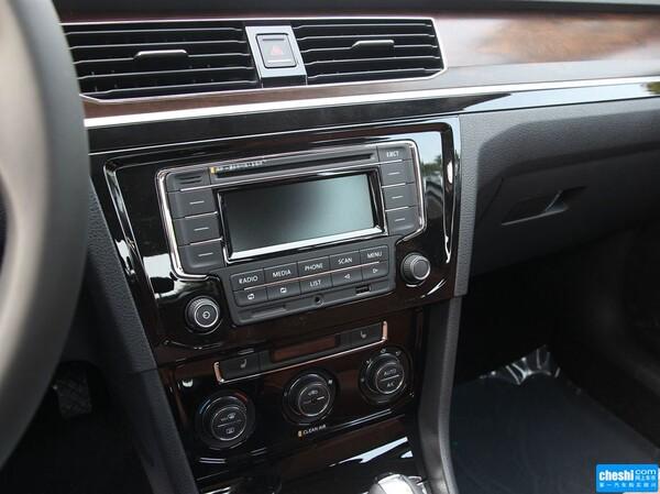 一汽-大众  1.6L 中控台左侧