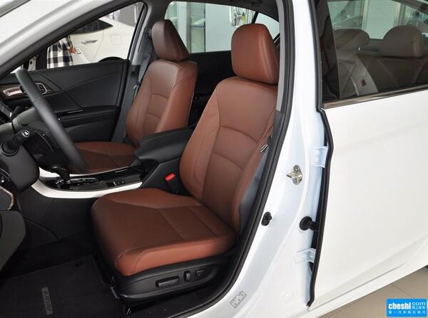 广汽本田  2.4L 驾驶席座椅正视图