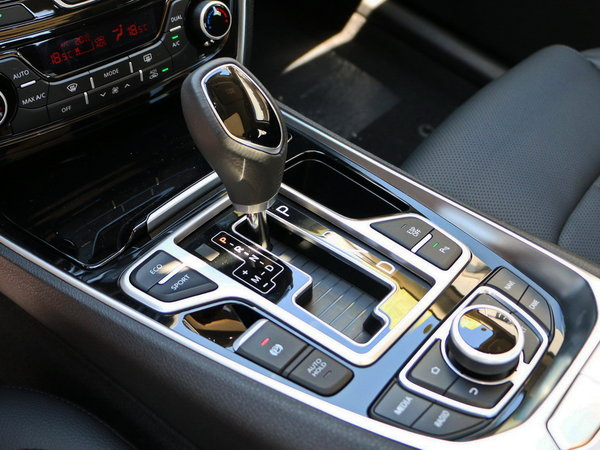 吉利汽车  2.4L 换挡杆