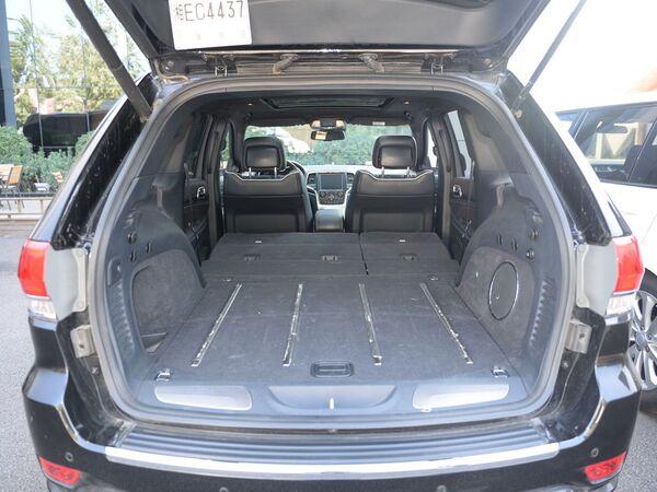 Jeep  3.6L 后备箱