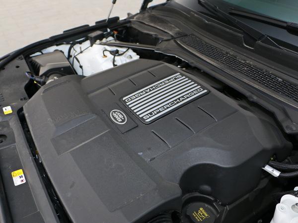 路虎  3.0 V6 SC 发动机