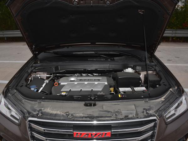 哈弗汽车  红标 2.0T 发动机舱