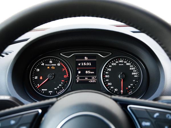 一汽奥迪  Limousine 40 TFSI 仪表盘