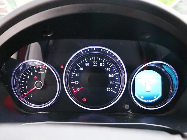 比速汽车  1.5T 仪表盘