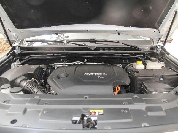 哈弗汽车  2.0T 发动机舱