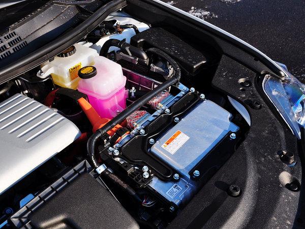 松下展示丰田雷克萨斯使用的电池