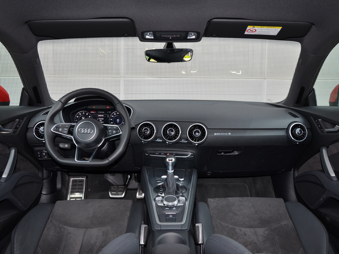 奥迪(进口)  TT Coupe 45 TFSI 大中控全景
