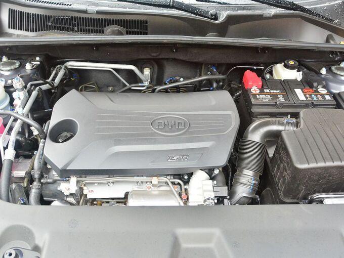 比亚迪  1.5TI 发动机舱