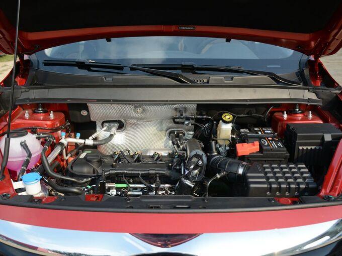 奇瑞汽车  FLY款 1.5T 发动机舱