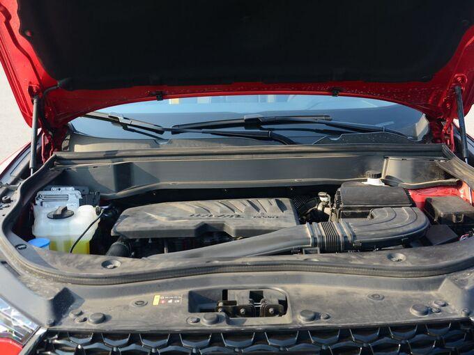 哈弗汽车  1.5T 发动机舱