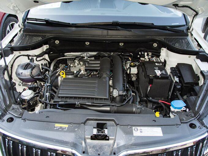 斯柯达  TSI280 智行豪华版 发动机舱