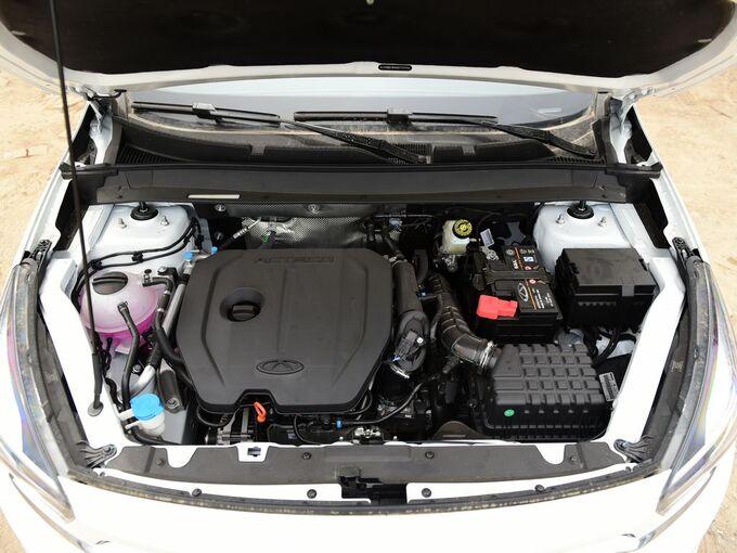 奇瑞汽车  7i 1.5T 发动机舱