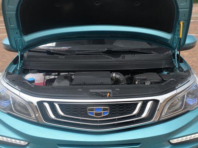 吉利汽车  升级版 1.5L 发动机舱