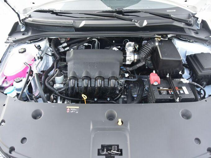 比亚迪  1.5L 发动机舱