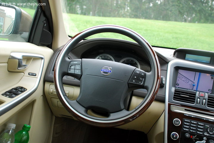 沃尔沃(进口) XC60 汽车图片壁纸-沃尔沃XC60 智尊版 内饰图片 高清图片