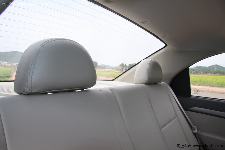 雪佛兰 新乐风 汽车图片壁纸-雪佛兰 新乐风 1.6at 内饰图片 64352 网上高清图片
