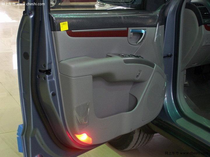 现代(进口) 新胜达 汽车图片壁纸-【新胜达内饰图242-2005张-现代高清图片
