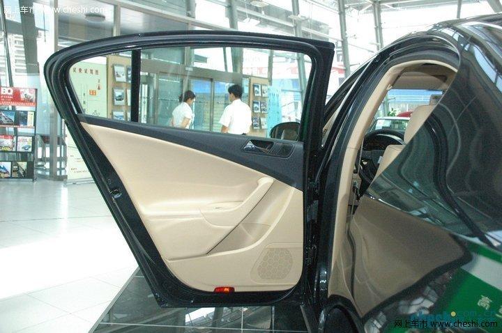 一汽大众 迈腾 汽车图片壁纸-大众 一汽 迈腾 车门整体 内饰图片 17482 高清图片