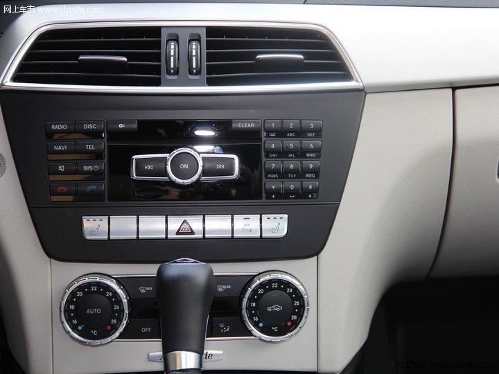 2011款 奔馳c200中控方向盤圖片