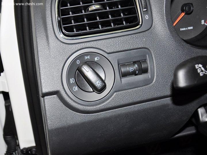 polo 1.4l mt 舒适版 2013款中控方向盘