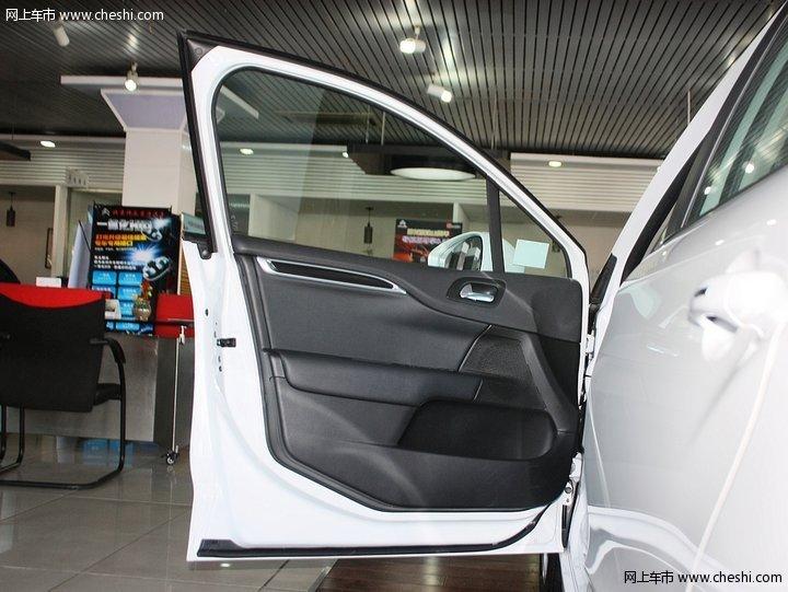 2013款 雪铁龙 c4l 1.6at 劲智型车厢座椅