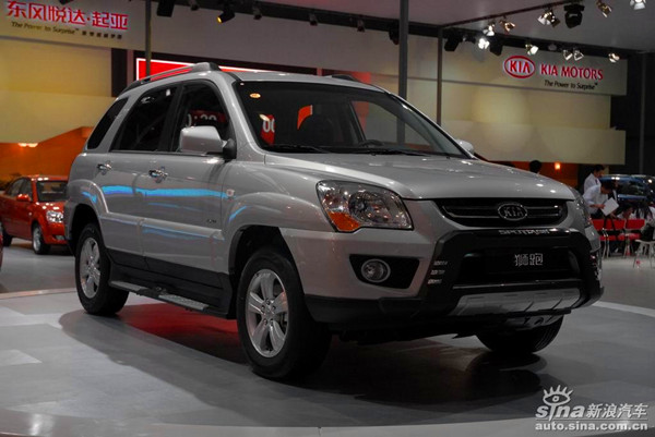 00万 现车充足   2015款狮跑北京 最新报价 车型名称 厂商指导价 经销图片