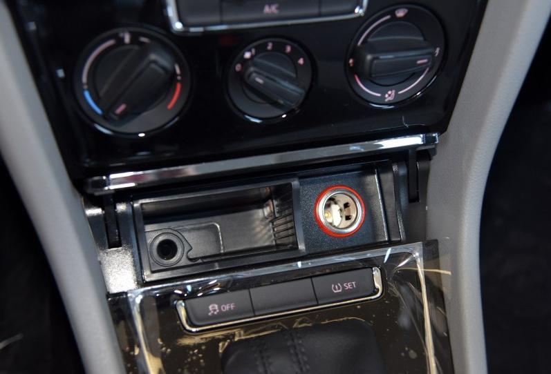 2013款宝来中控台按钮图解