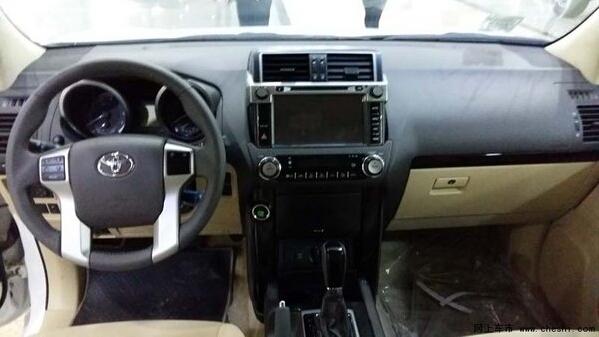 16款丰田霸道2700中东版