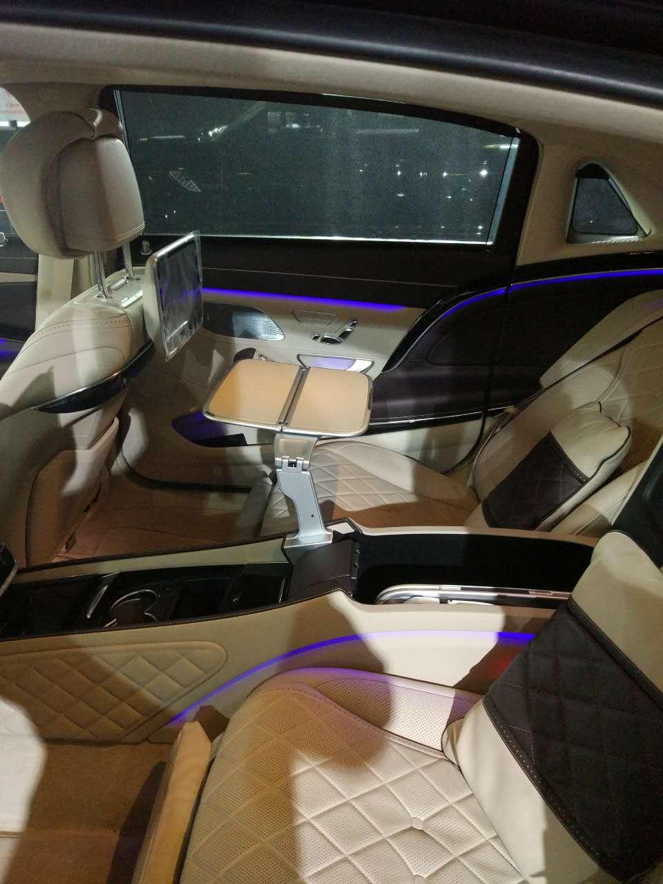 16款奔驰迈巴赫s600 全景天窗视野更开阔图片