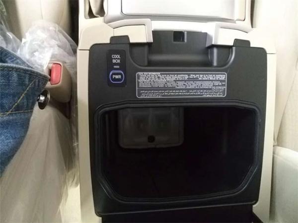 丰田酷路泽4000销售电话:13389982878刘经理