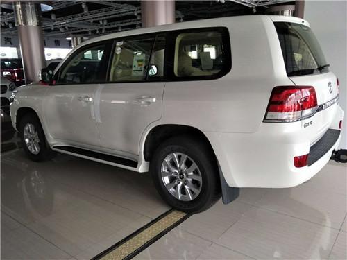 17款丰田酷路泽4000现车全国直降价格-图3
