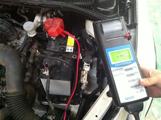 因此,汽车电瓶的维护和保养就变得十分重要.日前