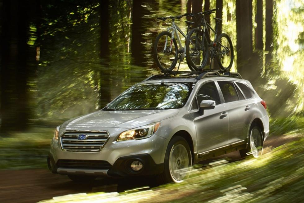 五年发展有六代技术汽车倒车雷达全接触 高清图片