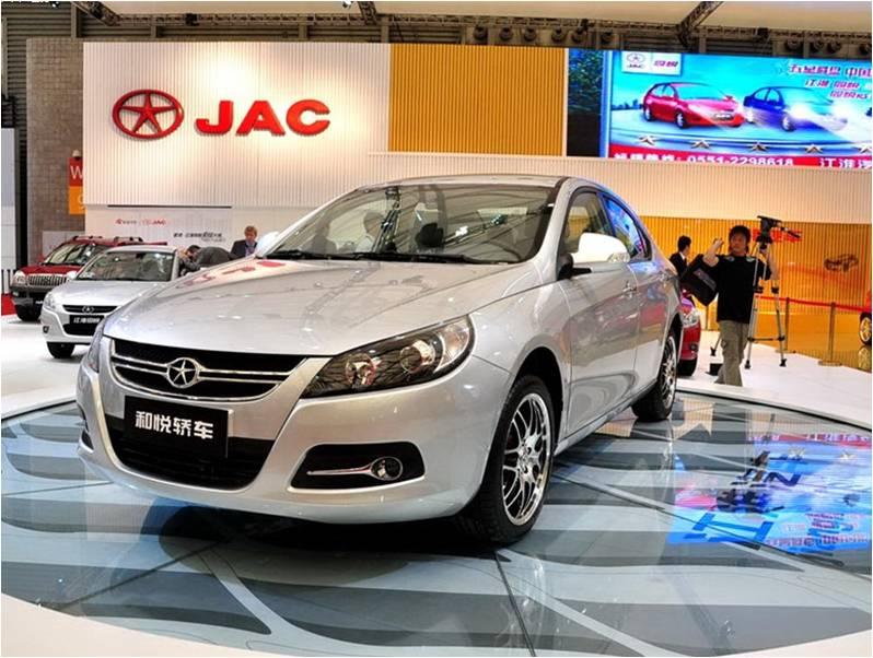 记者在江淮展台看到,江淮汽车本次展出了旗下所有在售的乘用车产品高清图片