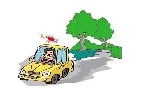 """车主都知道,空调有一个""""循环""""按钮,按下这个按钮,车厢内的空气只作内部循环,当门窗全部关闭时空调制冷效率会全部""""吸收"""",可以节省能源。这样做似乎无可厚非,但是却有一个弊端,时间长了,车厢内空气会变得越来越混浊,甚至会有缺氧的感觉。怎么办呢?内循环系统可以开启,但不能长时间用,空调刚开的时候,最好先用外循环,温度降低后,再切换至内循环,然后每隔一段时间切换一下内、外循环。特别是停车的时候最好切换到""""外循环""""功能。"""
