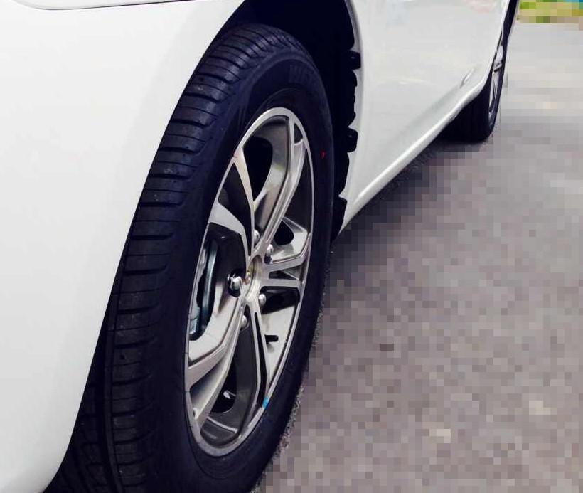 2014款众泰Z300推出棕色内饰 -众泰Z300