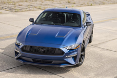 福特Mustang新车型曝光!四出排气/配大尺寸扰流板